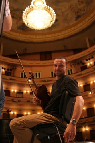 Gocha a lovely Georgian bloke on violin